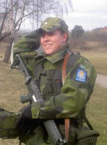 female-swedish-soldier