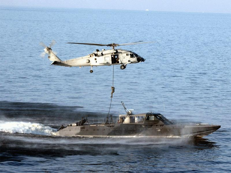 Volvemos a los camuflajes??? Navy_mkv_seal_helicopter_ropedown_lg